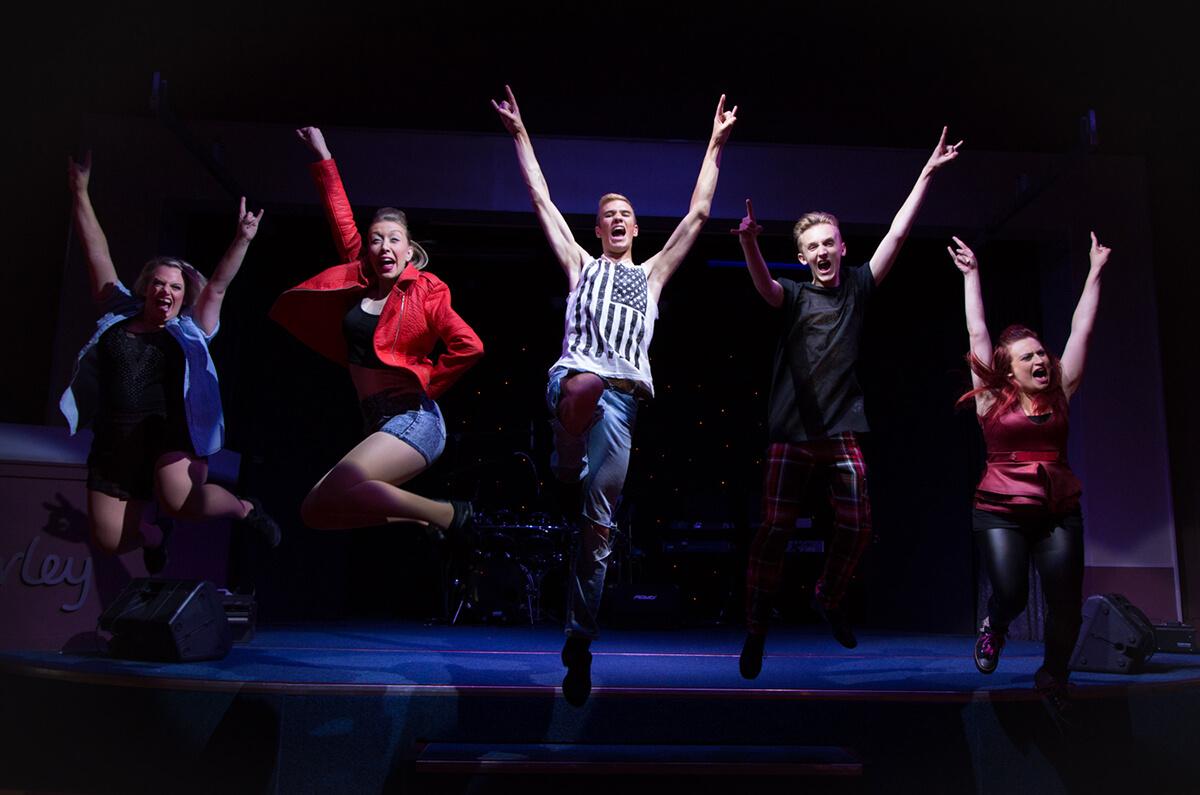 028 Performers, Musicians & Actors