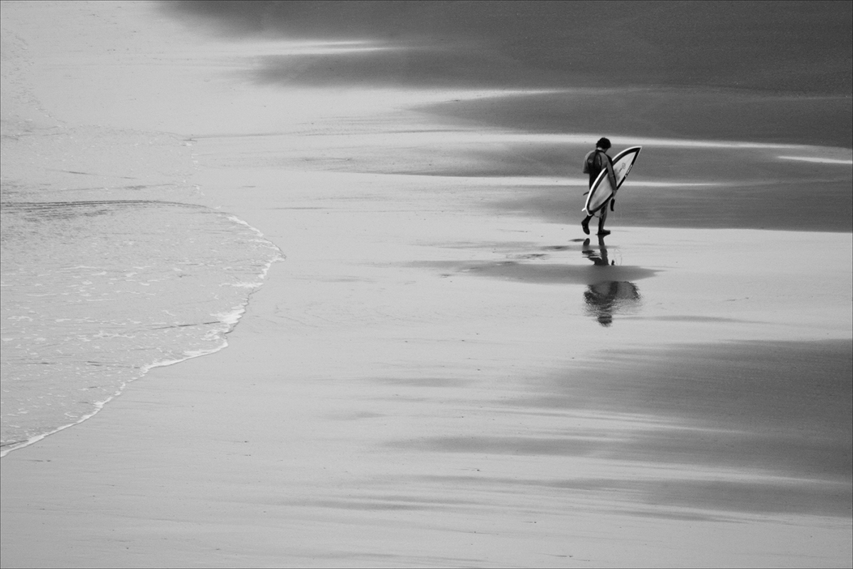 015 Quintessential_Westcountry_018Surfer Walking